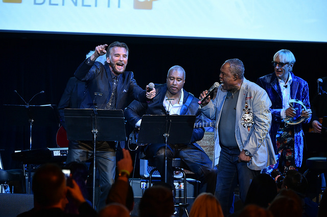(L-R) Kenny Loggins, Bernie Williams, Sam Moore, and Will Lee perform at the 2016 Little Kids Rock Benefit