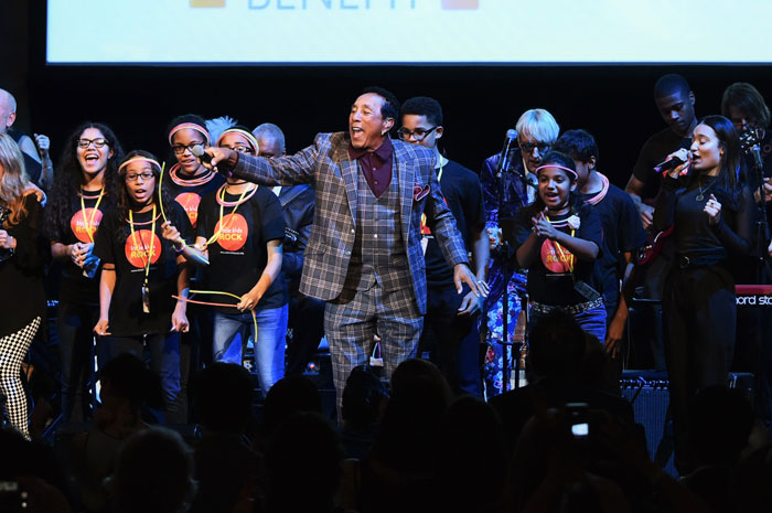 Little Kids Rock students perform with 2016 Rocker of the Year Smokey Robinson